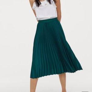 Calf lenght skirt